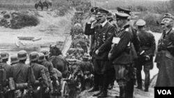 Đức hiện có các luật lệ cứng rắn đối với các hành động và biểu tượng gây thù hận liên quan tới Hitler và Đức Quốc xã.