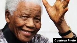 Cựu Tổng thống Mandela 94 tuổi đã trải qua gần 3 tuần lễ chữa trị vì bị viêm phổi.
