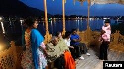 بھارتی حکومت سیاحوں کی واپسی کے لیے پرعزم ہے۔ (فائل فوٹو)
