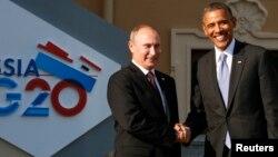 اEl presidente Vladimir Putin da la bienvenida a Barack Obama en el inicio de la cumbre del G20 en San Peterbursgo, Rusia, en septiembre pasado.