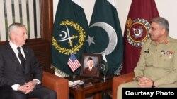 د امریکا د دفاع وزیر جیمز میتس د پاکستان د پوځ د مشر سره د دوشنبې په ورځ ملاقات وکړ.