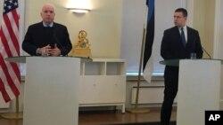 Джон Маккейн промовляє у Талліні 27-го грудня