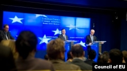Chủ tịch Hội đồng châu Âu Herman Van Rompuy và Chủ tịch Ủy hội châu Âu Jose Manuel.Barroso