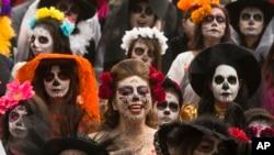 رژه «کاترینا» در مکزیکو سیتی