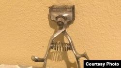 黃萬里和他的被勞改難友們使用的理髮推子,是1949年以前買的。黃萬里夫人曾用它為丈夫和兒子們理髮。 (黃肖路提供圖片)
