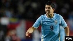 El delantero uruguayo Luis Suárez lidera la selección campeona de América, tras los 4 goles con los que apabulló a Chile.
