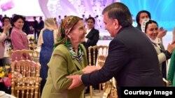 O'zbekiston Prezidenti Shavkat Mirziyoyev ayollar bilan