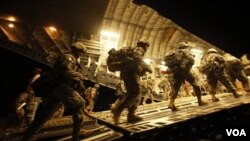 Desde 1993, la ley hizo que más de 13 mil 500 millitares fueran expulsados de las fuerzas Armadas.