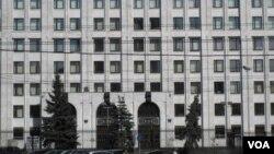 習近平星期六訪問了俄羅斯國防部,並參觀了作戰指揮中心。(美國之音白樺)