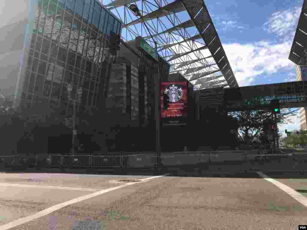 Ante posibles actos violentos se ha activado la seguridad máxima en los alrededores del centro de convenciones de Phoenix, Arizona.