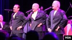 Los integrante de El Gran Combo de Puerto Rico no dejaron de deleitar a su público durante el concierto.[Foto Gesell Tobías, VOA].