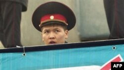 Qirg'izistonda prezidentlikka nomzodlar vijdonli bo'lishga va'da berdi