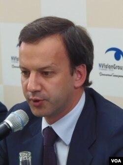俄罗斯副总理德沃尔科维奇(美国之音白桦拍摄)