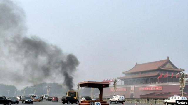 10月28日天安门金水桥撞车事件