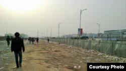 2013年鄭州富士康廠厂區 (中國勞工觀察提供)