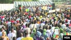 Un rassemblement du Mouvement pour la Renaissance du Cameroun (MRC) à Maroua, le 1er octobre 2018. (VOA/ME Kindzeka)
