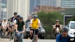 Pengendara sepeda di AS