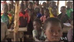 La cantine scolaire gratuite au Togo (vidéo)