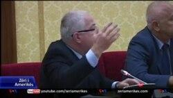 Shqipëri, Parlamenti debaton për aeroportet