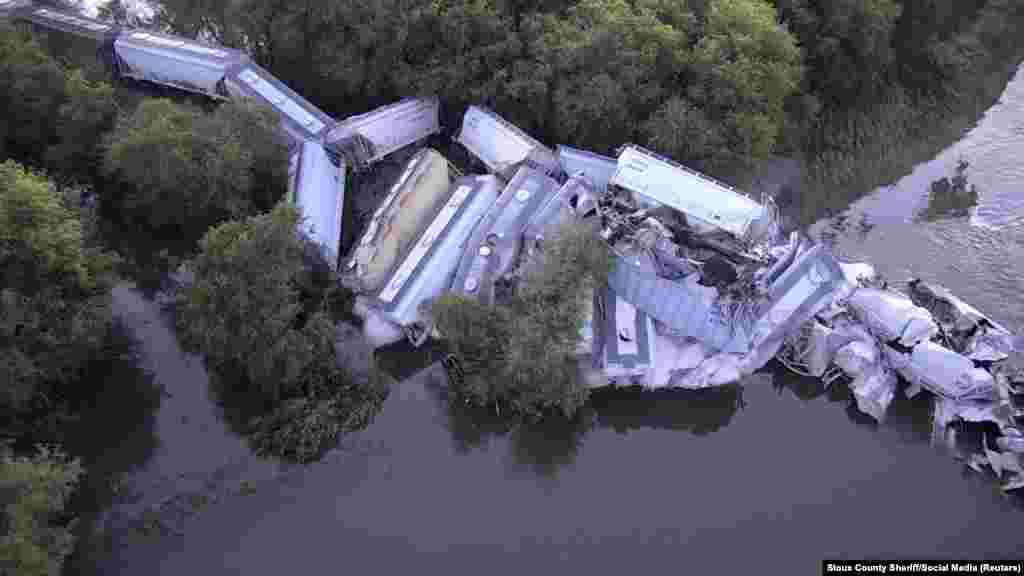 A train derailment near Alton, Iowa, is seen in this still image taken from a Sept. 23, 2018 video by Sioux County Sheriff.