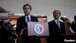 지난 1월 한국을 방문한 토니 블링큰 미 국무부 부장관(왼쪽)이 임성남 한국 외교부 제1차관과 공동기자회견을 하고 있다. (자료사진)