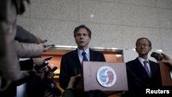지난 1월 한국을 방문한 토니 블링큰 미 국무부 부장관(왼쪽)이 임성남 제1차관과 한국 외교부 청사에서 공동 기자회견을 하고 있다. (자료사진)
