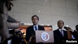 20일 토니 블링큰 미 국무부 부장관(왼쪽)과 임성남 제1차관이 한국 외교부 청사에서 공동 기자회견을 하고 있다.