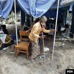 Salah satu lokasi pengungsian. Perayaan Idul Adha membawa hikmah mendalam bagi korban bencana Merapi di Yogyakarta.