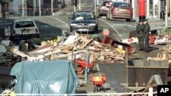 Hiện trường vụ tấn công bằng xe cài bom ở Omagh, Bắc Ireland, vào năm 1998 giết chết 29 người