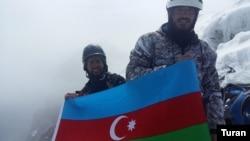 Azərbaycan alpinist komandası Qafqazın mürəkkəb zirvələrindəni biri Uşbada