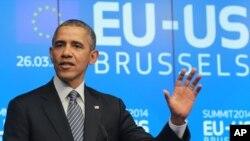 លោកប្រធានាធិបតី បារ៉ាក់ អូបាម៉ា ឆ្លើយនឹងសំណួរអ្នកយកព័ត៌មាននៅអគារក្រុមប្រឹក្សាអឺរ៉ុប European Council កាលពីថ្ងៃទី២៦ ខែមីនា ឆ្នាំ២០១៤។