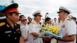استقبال ويتنام از ورود رزمناوهای آمريکا