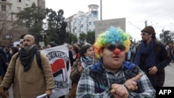 Rania Amdouni lors d'une manifestation.