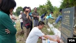 Viếng Ngôi Mộ Tập Thể Đầu Tiên Ở Kelanta.