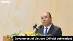 Thủ tướng Chính phủ Nguyễn Xuân Phúc phát biểu khai mạc Hội nghị Chính phủ với địa phương 2018, Hà Nội, ngày 28 tháng 12, 2018. (Hình: Chính phủ Việt Nam)