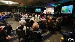 Acara Muktamar Masyarakat Muslim Indonesia di AS yang dihadiri lebih dari 1.100 perserta dan diadakan di kota Parsippany, New Jersey (Foto: VOA/Naratama).