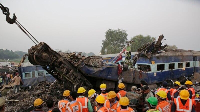 شمار قربانیان حادثه خروج قطار از ریل در هند به بیش از ۱۴۰ نفر رسید