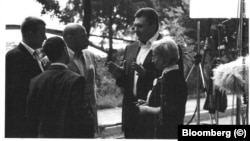 На фото: Віктор Янукович, Анна Герман, Констянтин Кілімнік, Філ Гріффін