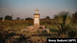 Memorial às vítimas do massacre de Lukodi, Uganda, pelo Exército da Resistência do Senhor (LRA)