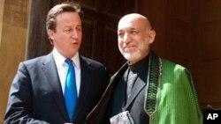 برطانوی وزیر اعظم ڈیوڈ کیمرون نے منگل کو کابل میں افغان صدر حامد کزرئی سے ملاقات کی۔