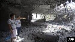NATO hava saldırısında yıkılan Kaddafi'nin oğlunun evi