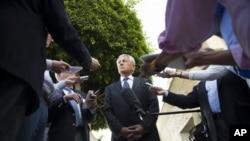 Bộ trưởng Quốc phòng Hoa Kỳ Chuck Hagel trả lời các nhà báo sau cuộc hội đàm với Tổng thống Ai Cập Mohammed Morsi ở Cairo, 24/4/13