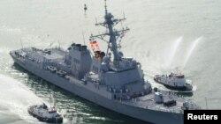 梅森号驱逐舰到达弗罗里达州的卡纳维拉尔港口