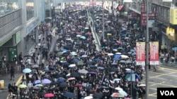 Protes di Tuen Muen, Hong Kong. (Foto: VOA)