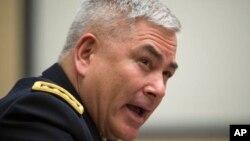 Jenderal purn. AS John Campbell, mantan panglima NATO di Afghanistan, dituduh harian Turki berada di belakang kudeta yang gagal (foto: dok).