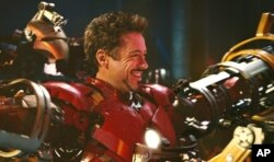 رابرت داونی جونیور در نقش تونی استارک