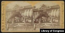Dibujo de la celebración del primer Día de la Decoración en el Cementerio de Arlington en 1868. Biblioteca del Congreso de EE.UU.