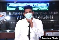 Bobby Nasution dalam telekonferensi pers di RS YPK Mandiri, Jakarta, Selasa (4/8) (foto: Setpres RI).