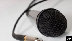 Corrida para o negócio afectar o rigor jornalístico - 3:13
