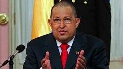چاوز با سر تراشیده بازگشت